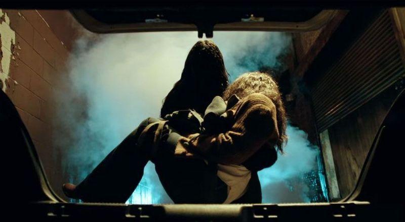 Фильм ужасов «Злое» 2021 — история женщины, которую преследуют видения убийцы 3