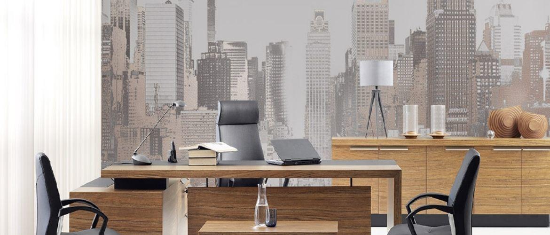 Как креативно оформить узкий коридор офисного помещении? У нас есть идеи!