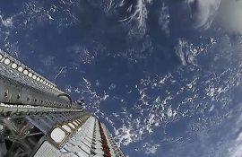 SpaceX запустила в космос нову серію супутників Starlink з лазерами для широкосмугового інтернету