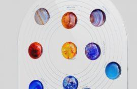 Космические значки и подставки: для тех, кто влюблен во Вселенную