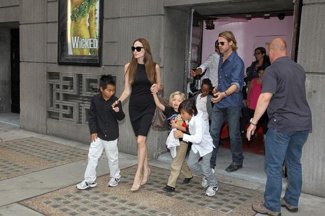 Анджеліна Джолі підтвердила, що Бред Пітт бив дітей 6