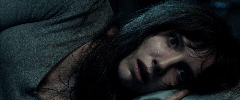 Фильм ужасов «Злое» 2021 — история женщины, которую преследуют видения убийцы 1