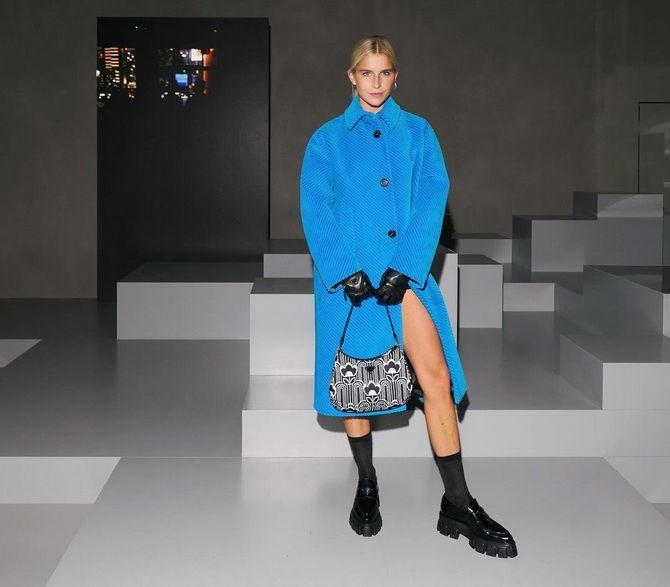 С чем носить черные лоферы — идеи для модных образов 26