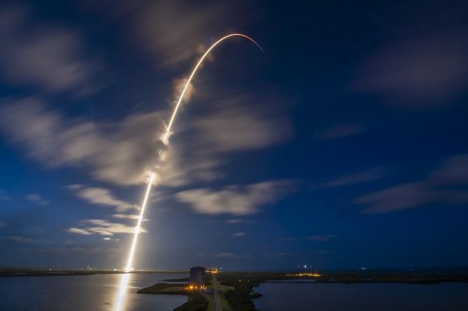 SpaceX вперше в історії відправила на орбіту повністю цивільний екіпаж 4