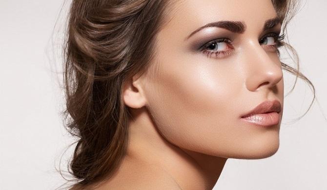 Свіжий і красивий макіяж: як користуватися хайлайтером і наносити його 5