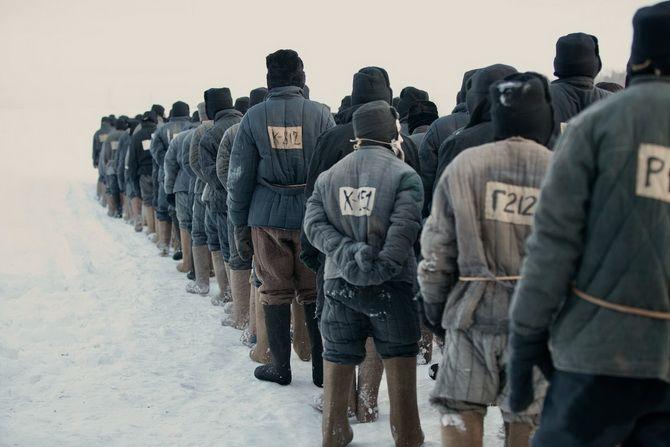 Фильм «Иван Денисович» (2021) — как пройти войну, плен, суровый трудовой лагерь и остаться человеком 3