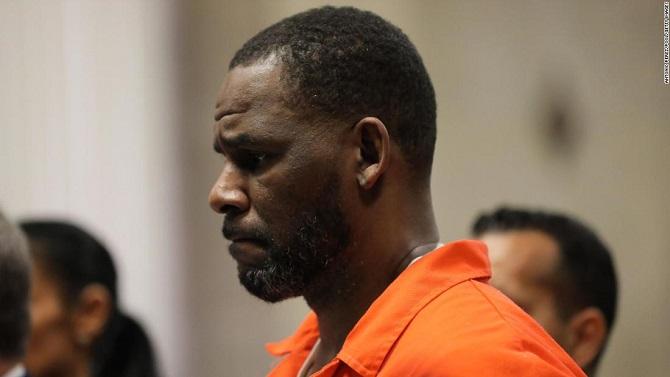 Американского певца R. Kelly признали виновным в сексуальном рабстве: ему грозит пожизненный срок 3
