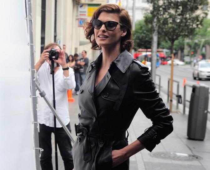 Супермодель Линда Евангелиста покинула модельную карьеру из-за неудачной липосакции: она подала в суд на клинику 4