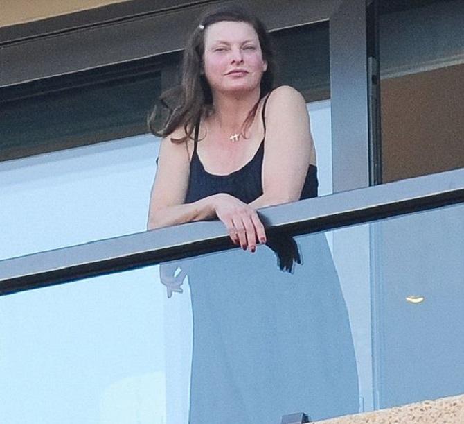 Супермодель Линда Евангелиста покинула модельную карьеру из-за неудачной липосакции: она подала в суд на клинику 5