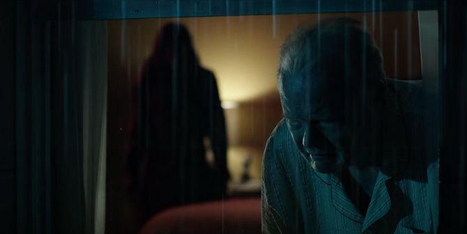Фильм ужасов «Злое» 2021 — история женщины, которую преследуют видения убийцы 5