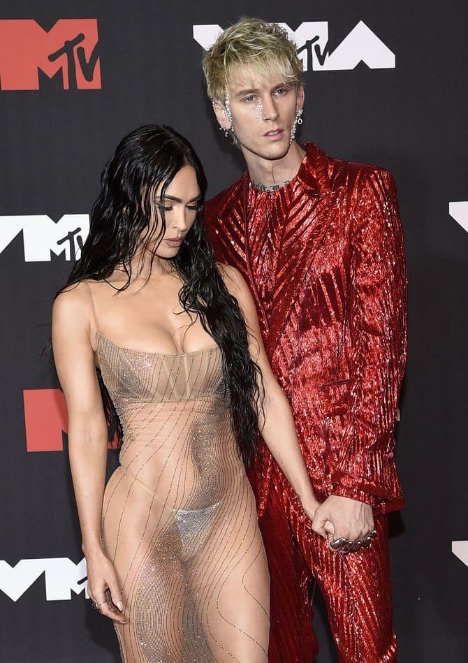 MTV Video Music Awards 2021: Меган Фокс в «голом» платье посетила церемонию 2