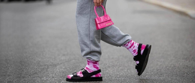 Шкарпетки з відкритим взуттям – як носять цей суперечливий тренд