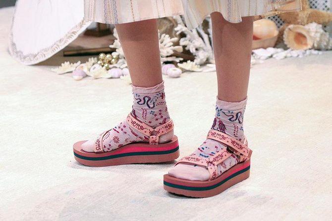 Шкарпетки з відкритим взуттям – як носять цей суперечливий тренд 8