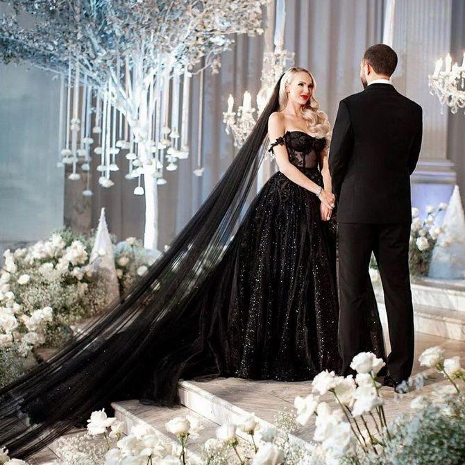 Знаменитые невесты, которые вышли замуж в черном свадебном платье 3