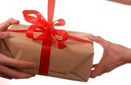 Ювелирные украшения в подарок: как выбрать и на что обратить внимание