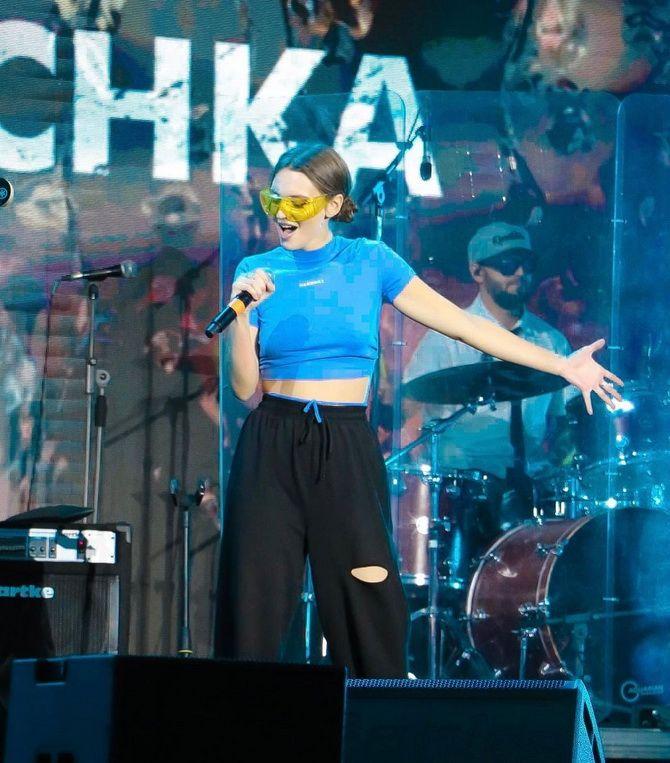 Кто снимался в клипе KAZKA «Плакала» — имена участниц, чем занимаются сейчас 2