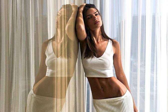 Модель Емілі Ратаковскі звинуватила виконавця хіта Blurred Lines Робіна Тіка в домаганнях 6