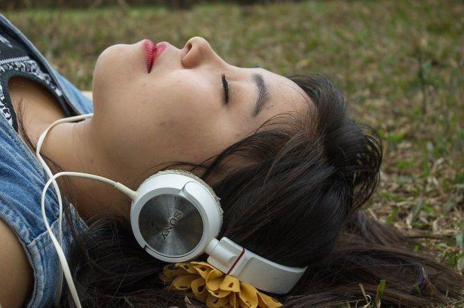 Binaural beats and lucid dreaming 1
