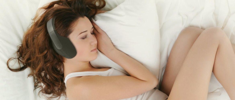 Binaural beats and lucid dreaming
