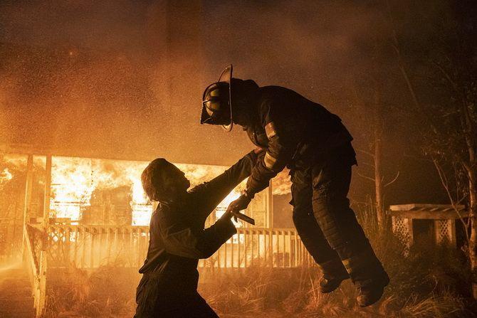 Фильм ужасов «Хэллоуин убивает» (2021) — жестокий палач снова на свободе 4