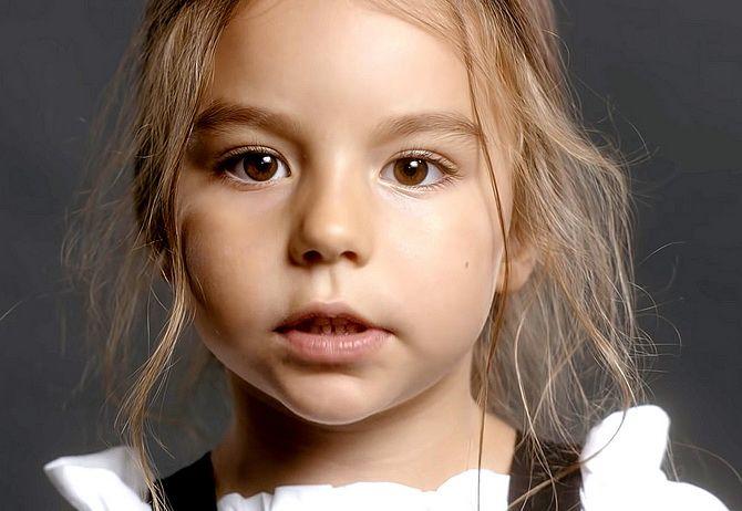 Кто снимался в клипе KAZKA «Плакала» — имена участниц, чем занимаются сейчас 18
