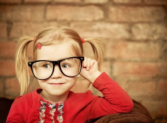 Проблемы со зрением у детей: как вовремя распознать, что ребенок плохо видит 1